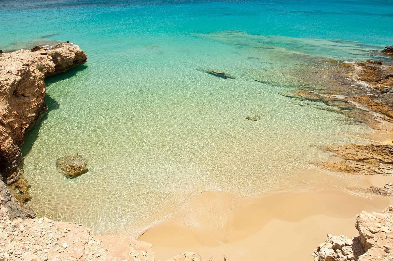 White Sand Beach With Boats Beaches in Koufonisia ...